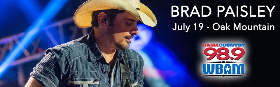 Brad Paisley at the Oak Mountain Amphitheater on July 19